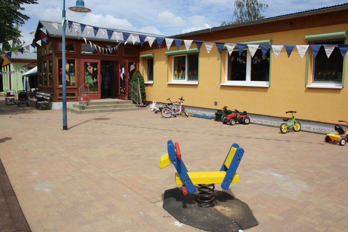 Outdoor Küche Kindergarten : Kindergarten
